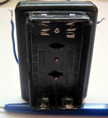Зарядное устройство для никеллевых аккумуляторов стандарта АА и ААА